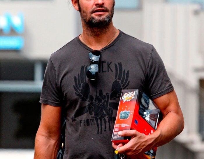 Sawyer (Josh Holloway)