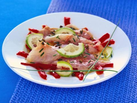 Carpaccio di pesce e peperoni