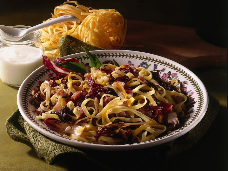 tagliolini-al-radicchio ricetta