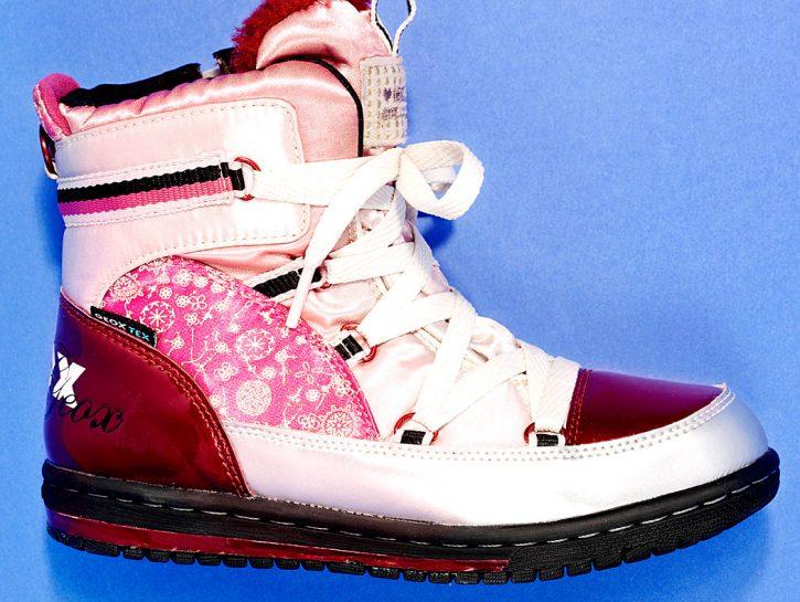 Gli scarponcini per bambina, di Geox
