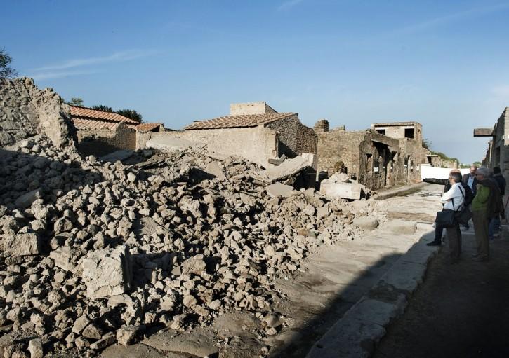 Crolli a Pompei