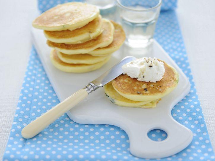 pancakes-di-ricotta-con-cipollotti immagine