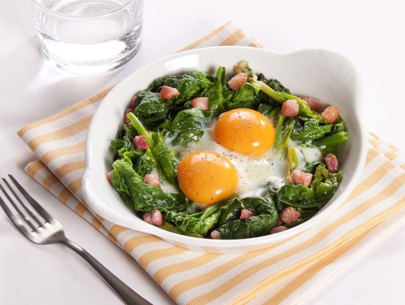 uova-con-spinaci-e-pancetta