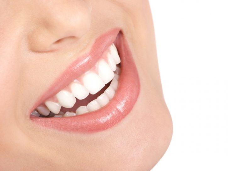denti-igiene-orale-sorriso