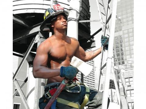Calendario Pompieri Americani.Calendario 2011 I Pompieri Sexy Di New York Donna Moderna