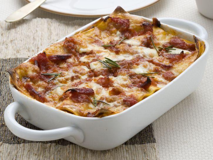 lasagne-con-ragu-mozzarella-e-scamorza preparazione