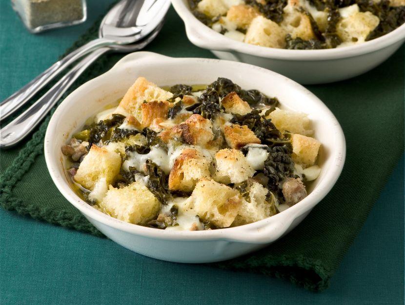 zuppa-al-gratin-di-cavolo-nero-e-pecorino preparazione