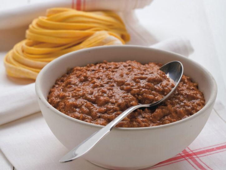 Salsa al pomodoro con ragù di carne