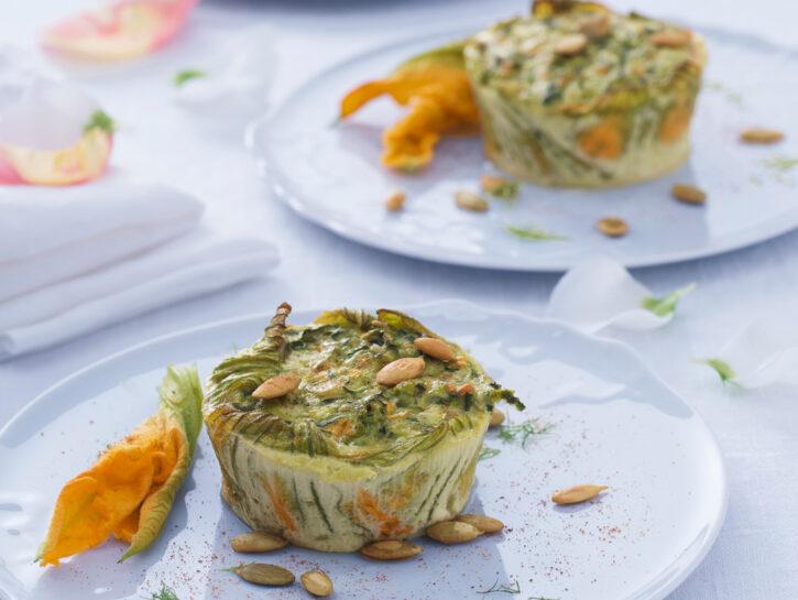 Sformatini alle zucchine con fiori e semi di zucca