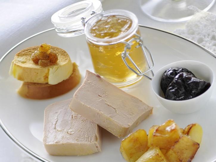 foie-gras-con-mele-caramellate-e-gelatina-di-vino