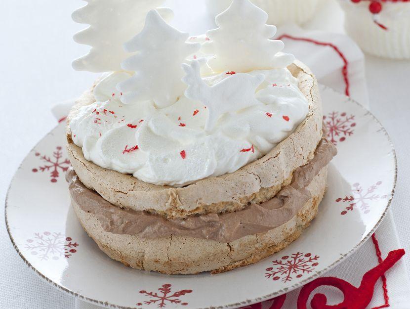 torta-di-meringa-con-alberelli-e-doppia-panna ricetta
