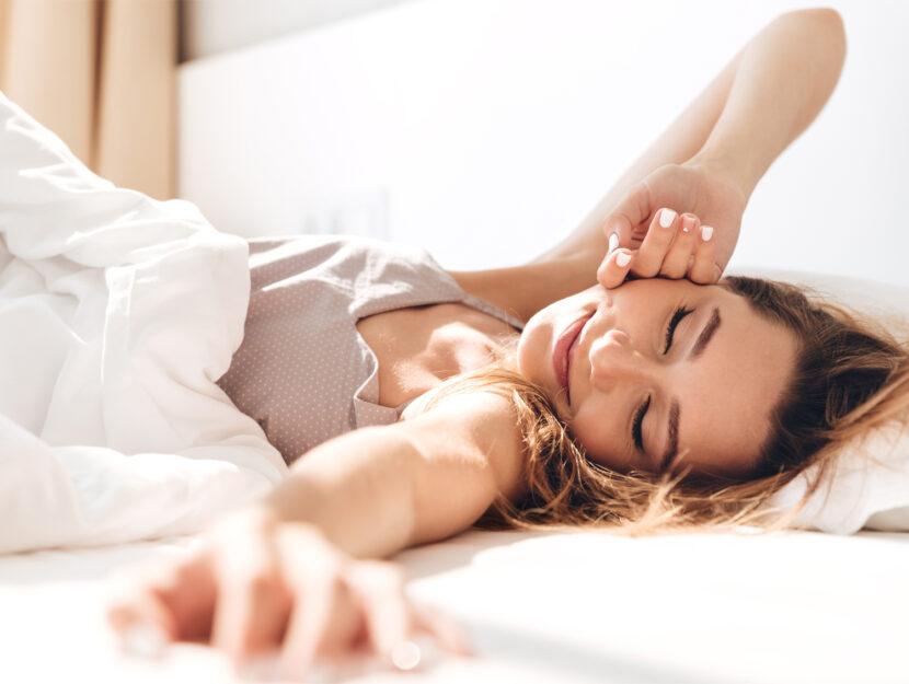 donna che dorme e non vuole svegliarsi