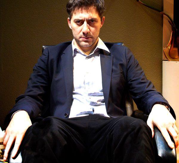 Filippo Timi in una scena di Favola