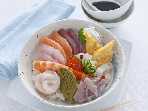 Oppure puoi preparare il chirashi sushi