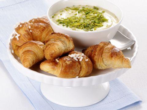 Croissant mignon con fonduta ai pistacchi
