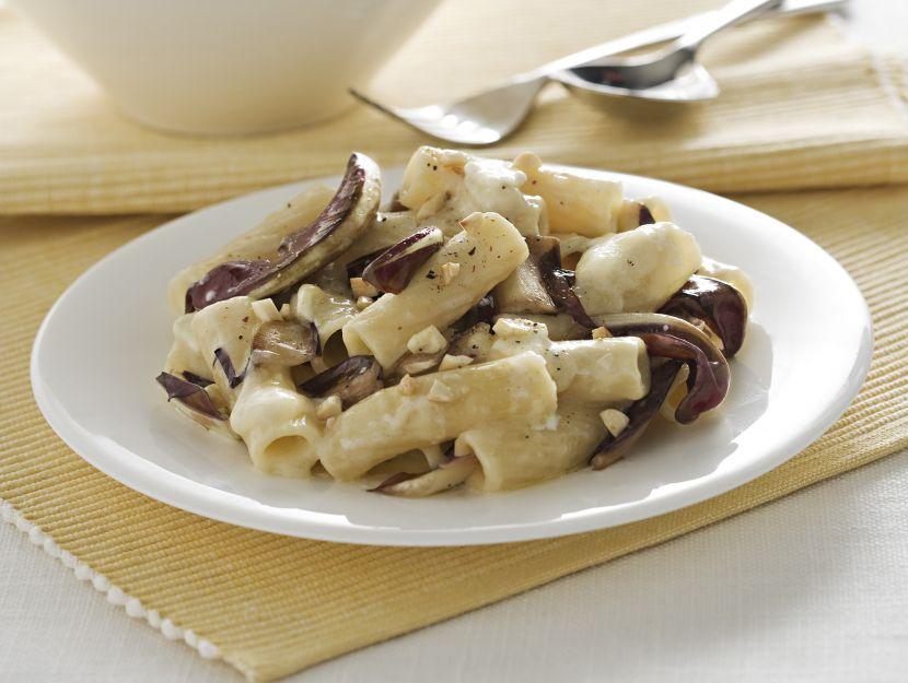 tortiglioni-al-radicchio-e-camembert preparazione
