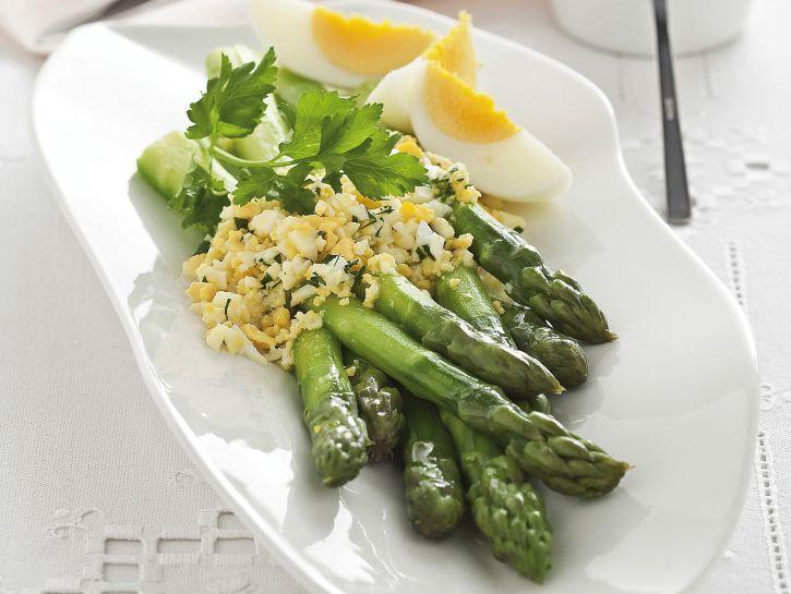 asparagi-con-salsa-mimosa immagine