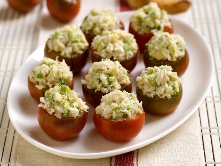 pomodori-camone-ripieni-di-polpa-di-granchio-e-avocado