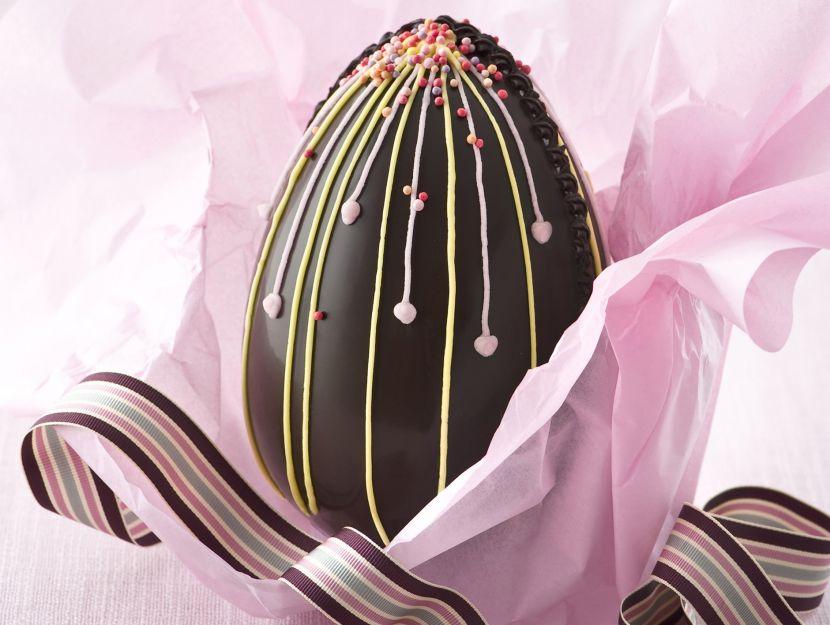 uovo-di-cioccolato-fantasia-di-decori step
