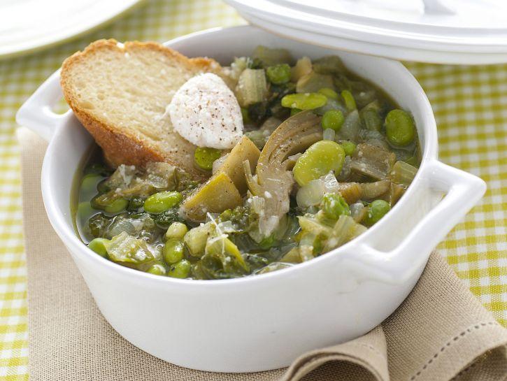 zuppa-di-primavera-con-uova-di-quaglia immagine