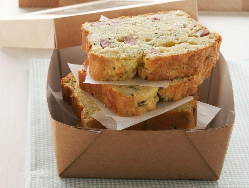 plum-cake-con-zucchine-e-mortadella preparazione