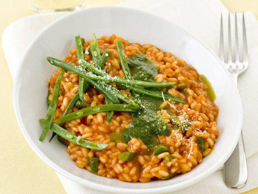 risotto-al-pomodoro-con-fagiolini-e-basilico