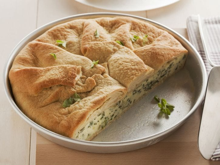 torta-di-pasta-di-pane-con-erbe-di-primavera preparazione
