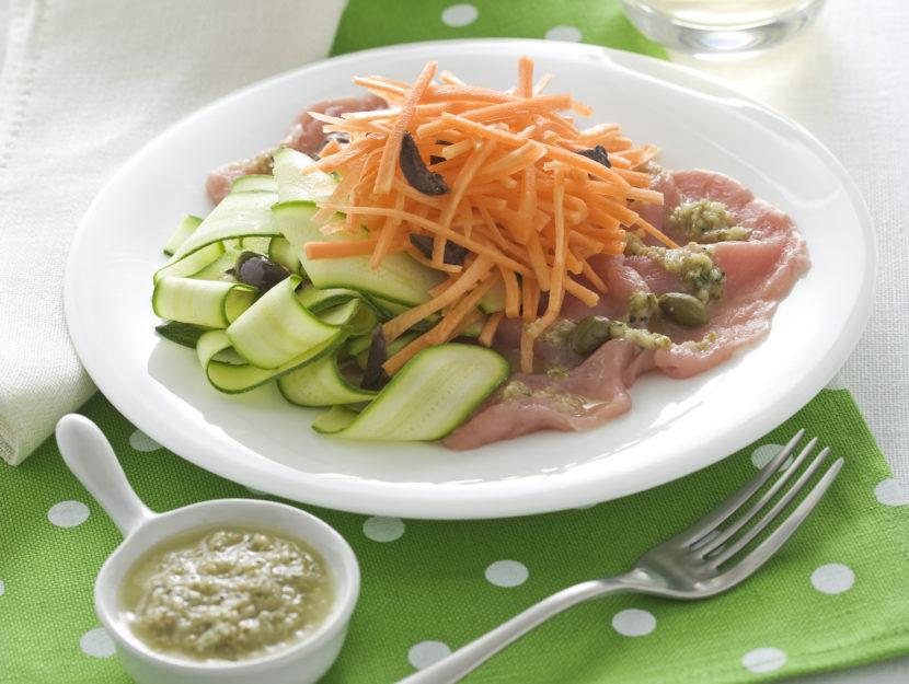 carpaccio-e-verdure-con-salsa-ai-capperi preparazione