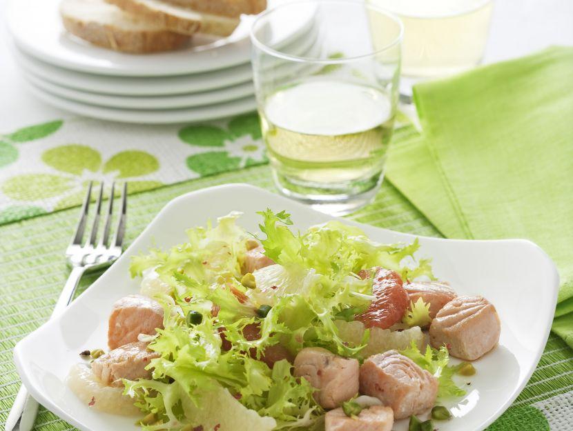insalata-con-salmone-e-pompelmo preparazione