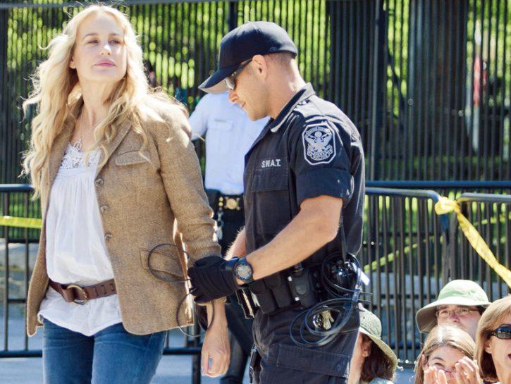 Daryl Hannah protesta