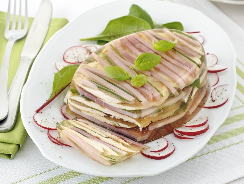 aspic-di-pollo-e-prosciutto-cotto ricetta