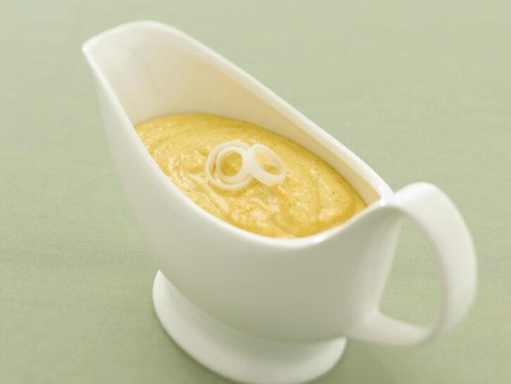Salsa al curry e mela
