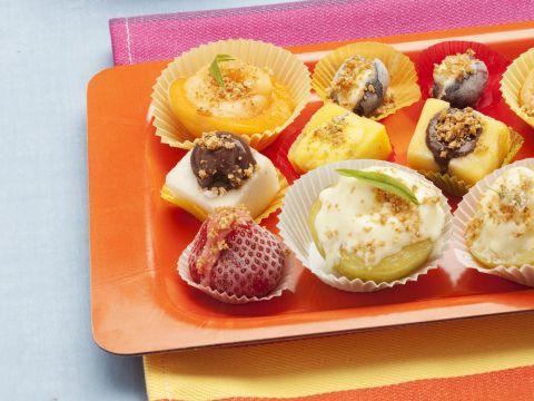 Frutta estiva ripiena di gelato
