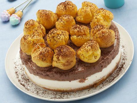 Torta gelato con bignè e crema pasticcera