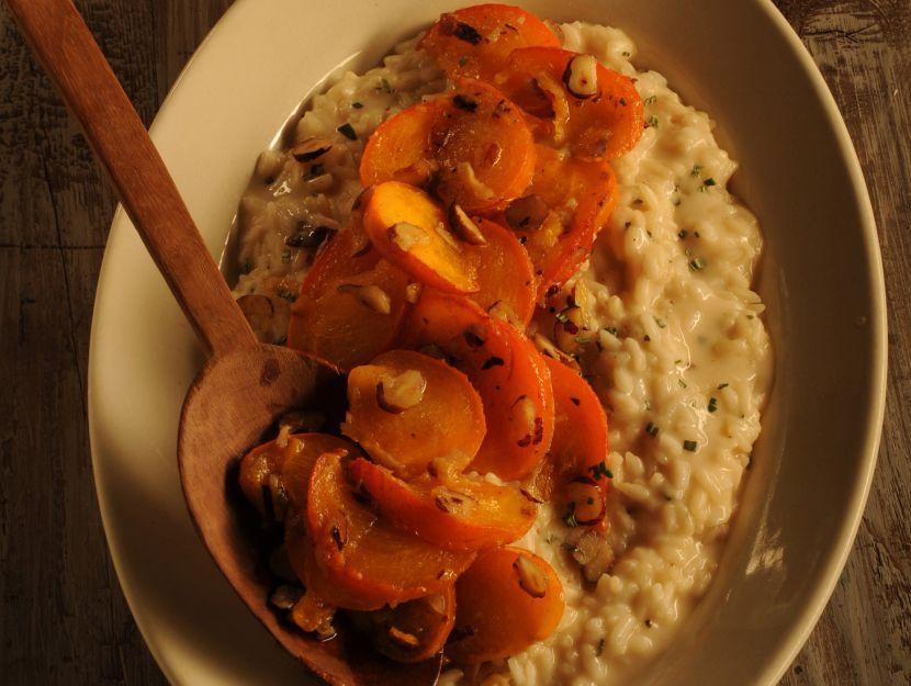 risotto-al-taleggio-con-saute-di-cachi-e-nocciole