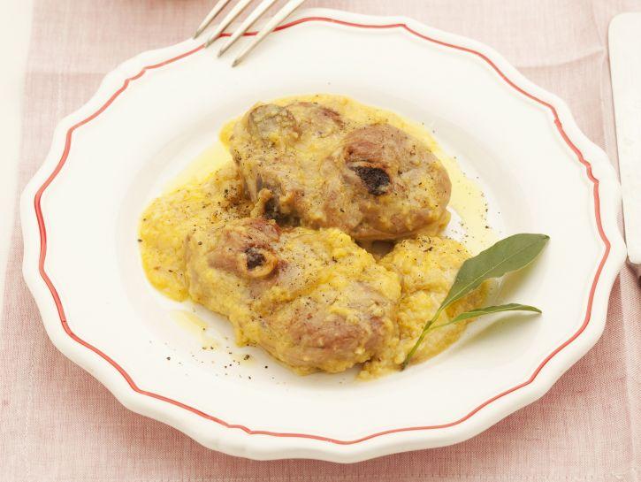 agnello-marinato-con-cacio-e-uova preparazione
