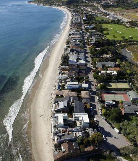 Malibu colony sulla spiaggia di Malibu