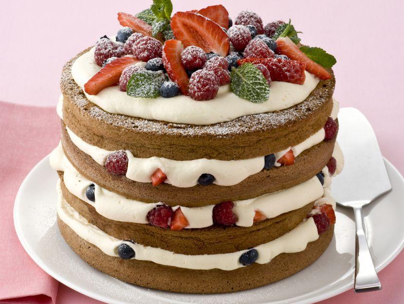 torta-al-cacao-e-frutti-di-bosco
