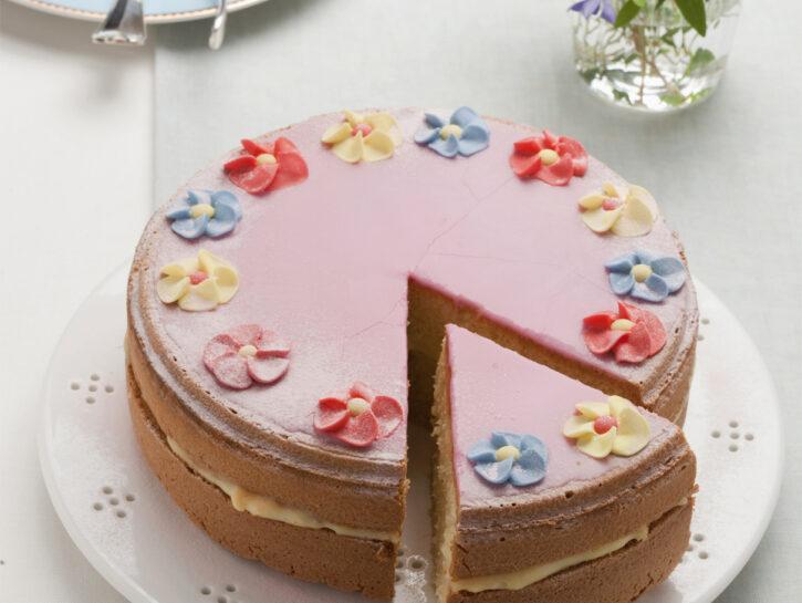 Torta soffice al profumo di rosa
