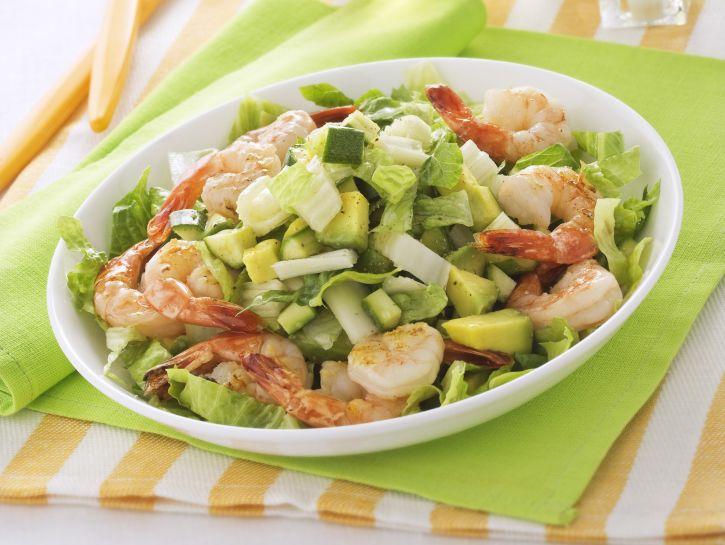 insalata-con-avocado-gamberi-e-zucchine immagine