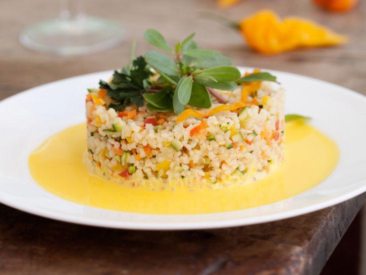 ricetta bulgur-di-verdure-con-salsa-allo-yogurt