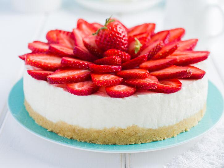 Crostata di fragole senza cottura in stile cheesecake