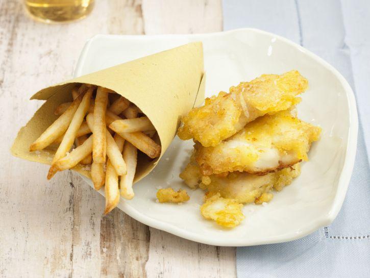 fish-chips-pesce-fritto-con-patatine preparazione