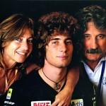 Marco Simoncelli con i genitori Paolo e Rossella