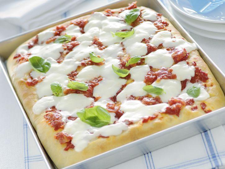 pizza-margherita-classica-alta-e-soffice