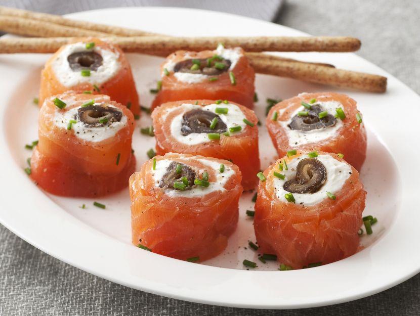 rotolini-di-salmone-e-datteri