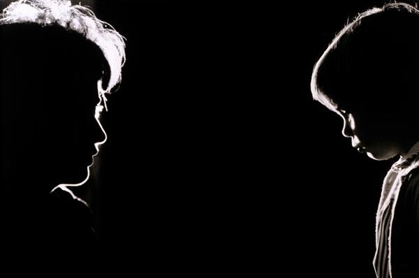 Una madre racconta: «Hanno abusato di mia figlia»