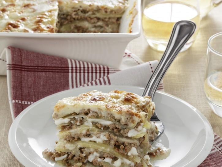 moussaka-di-patate-con-ragu-bianco preparazione