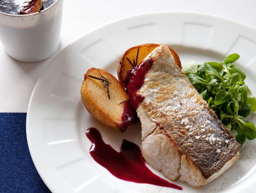 pesce-grigliato-con-salsa-di-mirtilli