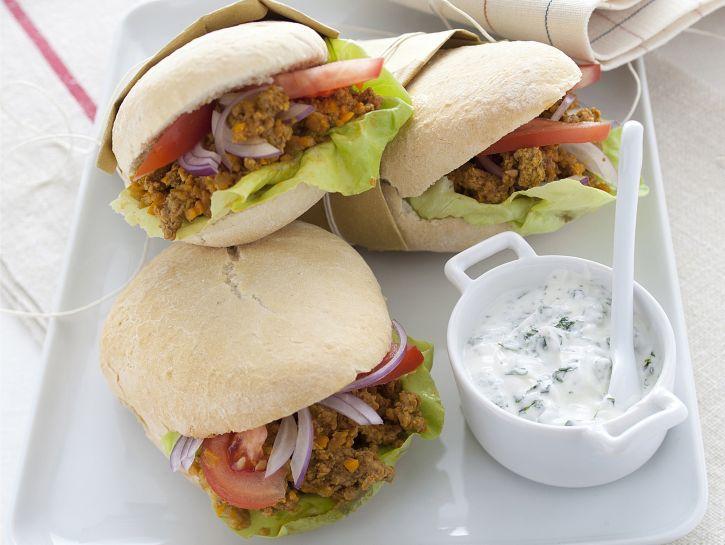 panini-con-ragu-di-agnello-e-yogurt immagine
